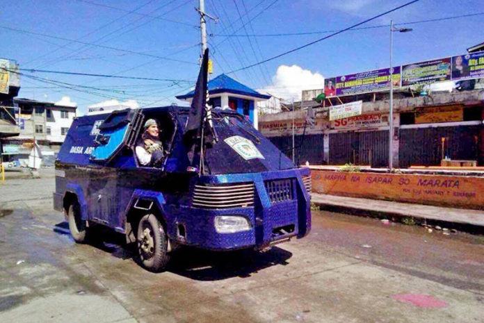 A Mindanao Duterte ha imposto la legge marziale. Potrebbe durare un anno