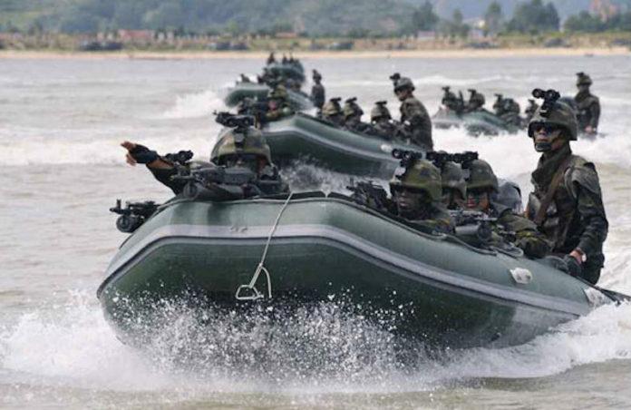 La Corea del Nord lancia tre missili balistici: l'ultima follia di Kim