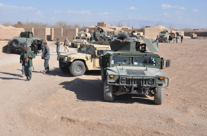 Quattro attacchi in Afghanistan, decine di morti